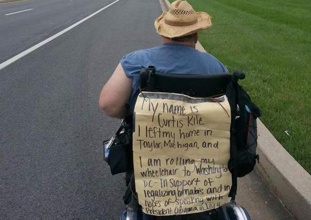 Desde Michigan a la Casa Blanca en silla de ruedas para hablar de marihuana