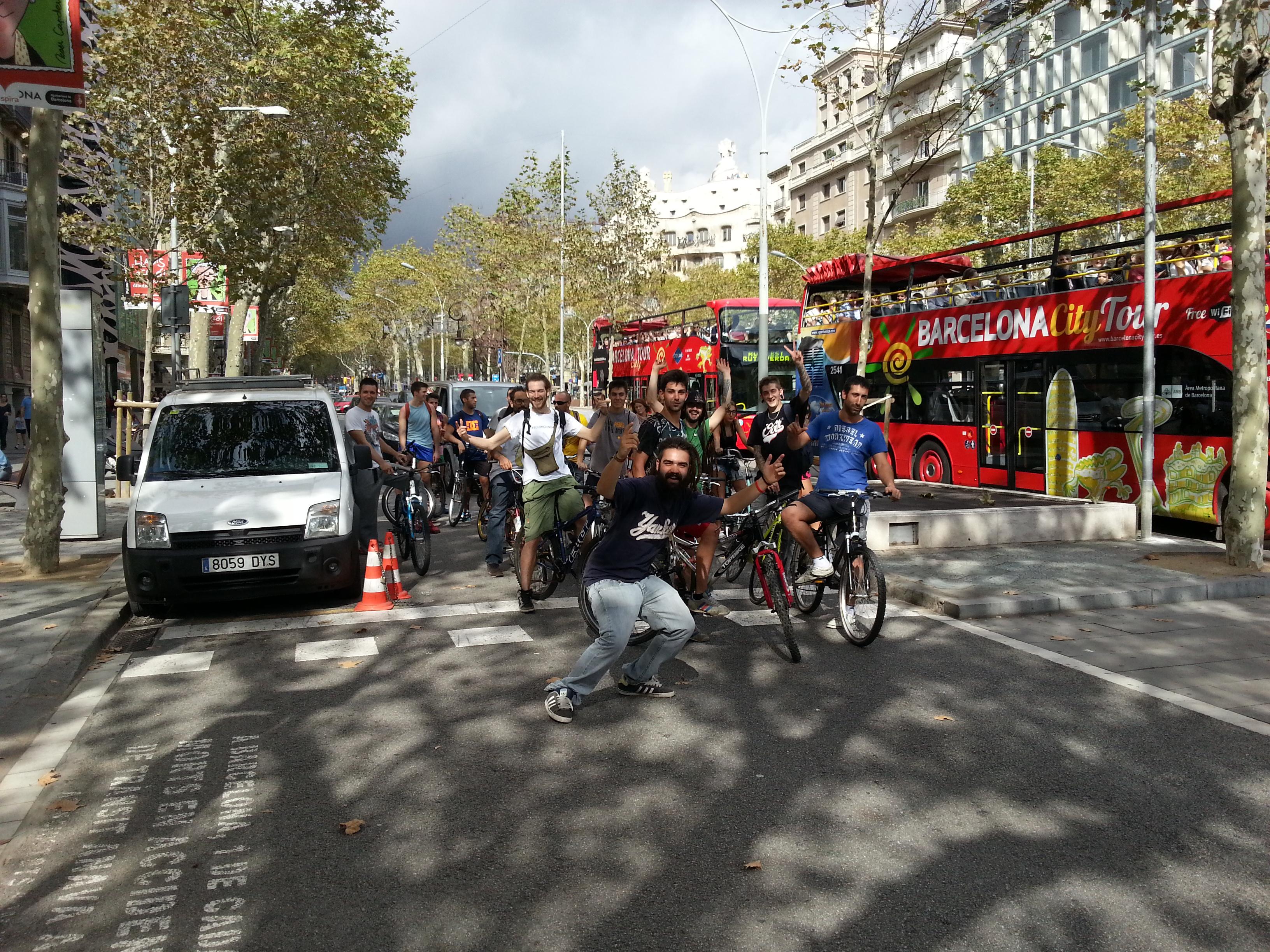 Cronica Bicicletada Cannabica & Inauguración La Kalada