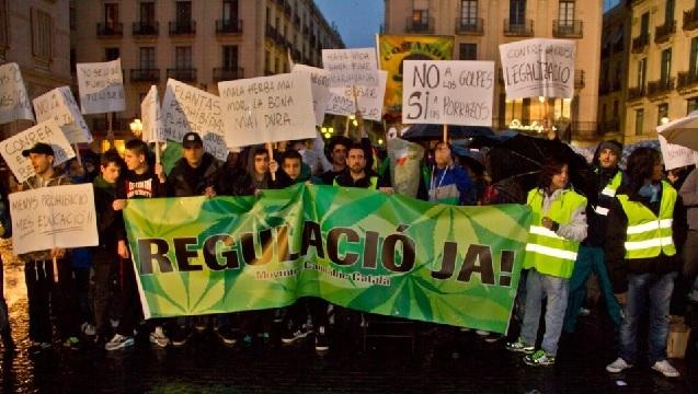 """Barcelona regulará """"antes de junio"""" las asociaciones de cannabis"""